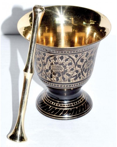 Mortar and Pestle Set in Engraved Brass